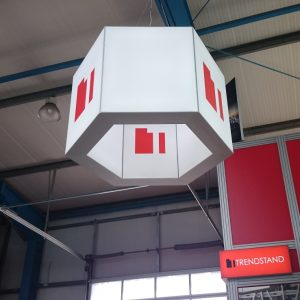 T5-3D LED Hexagon. Sechseckiger Leuchtkasten für Messebau und Ladenbau. Hexagonal lightframe for exhibition stand construction and shop fitting.